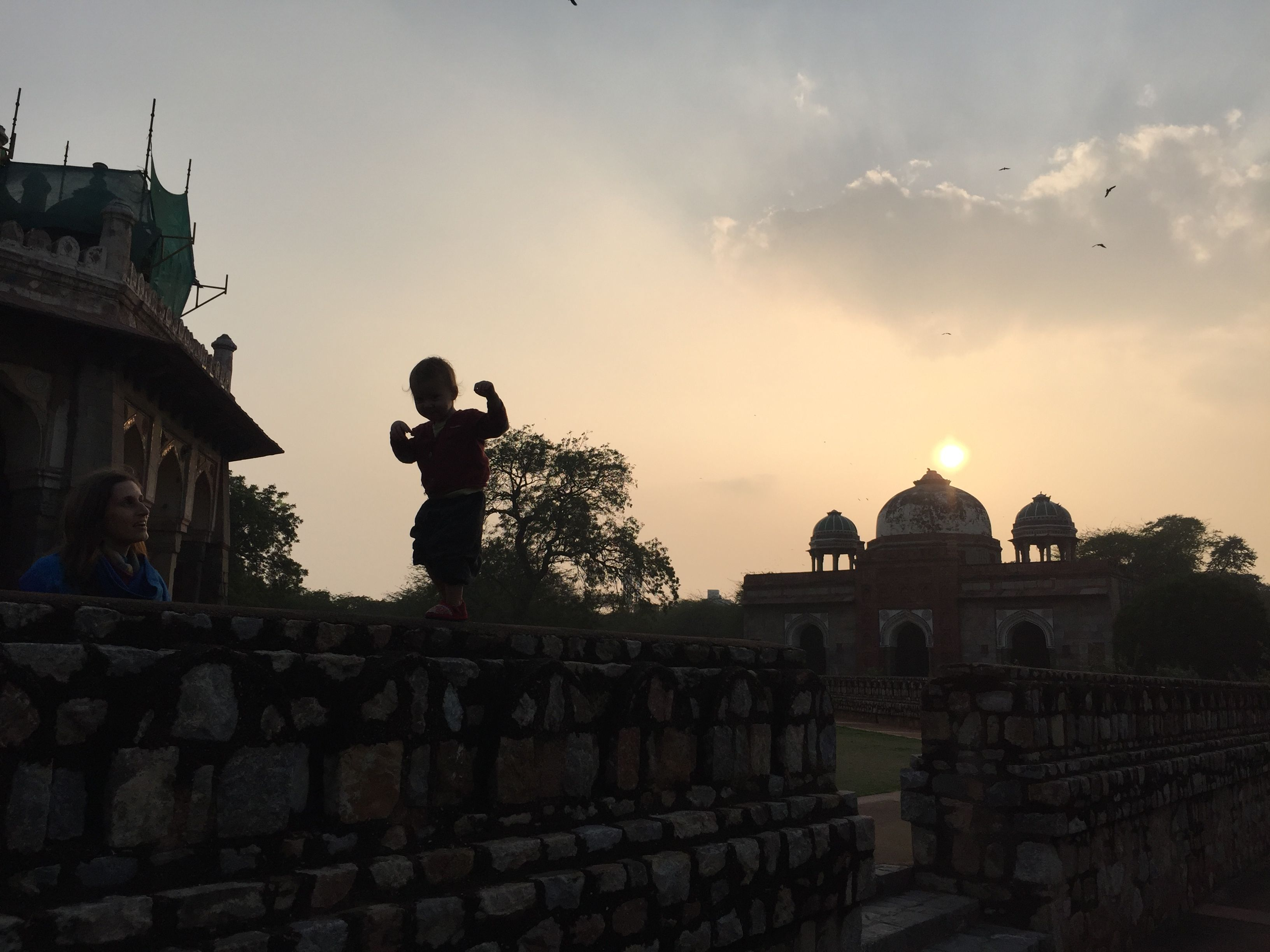 Mit Kleinkind in Indien