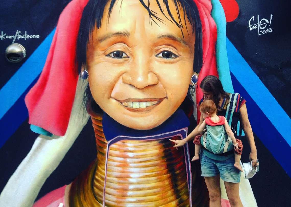 Langhalsfrau in Chiang Mai, Gedanken zum Ethno-Tourismus